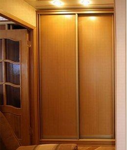 Маленькие двери для встроенного шкафа