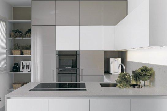 Кухня белый глянец до потолка