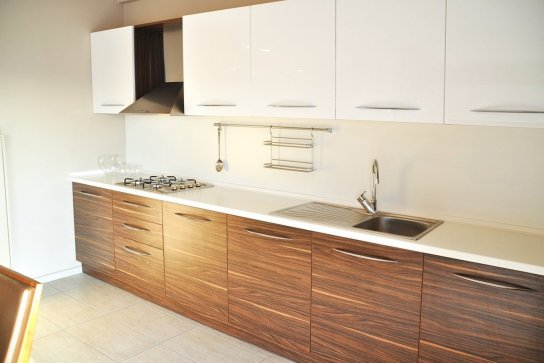 Кухня модерн материал шпон
