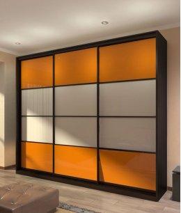 Шкаф купе корпусный с цветным стеклом