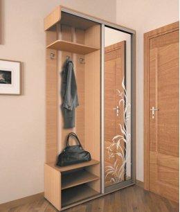 Шкаф купе для верхней одежды в прихожую с вешалкой