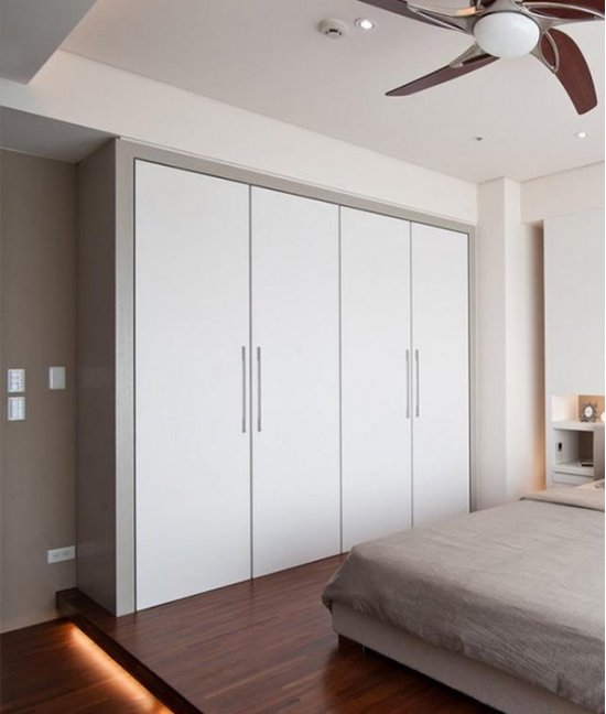 Большой шкафы купе в спальню до потолка
