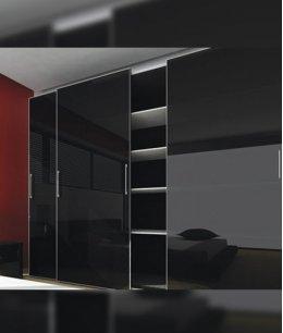 Шкаф купе глянец черный трехдверный
