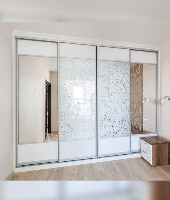 Шкаф купе 4 х дверный с зеркалами и со вставками