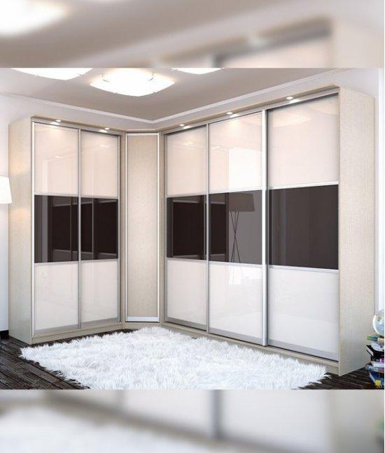 Угловой шкаф купе в гостиную со стеклом