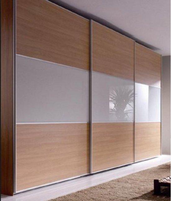 Шкаф купе с матовыми стеклами в гостиную